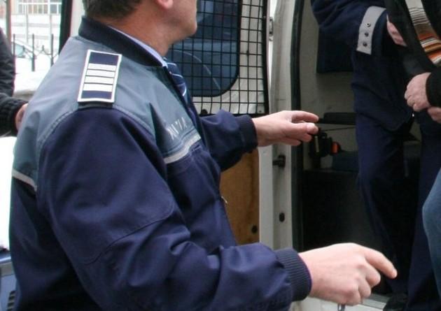 politia-arest-duba