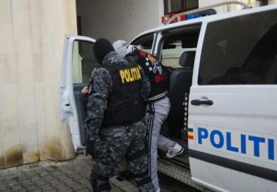"""Hoți din Bârlad, """"călcați"""" de polițiști"""