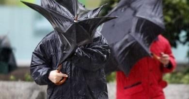 furtuna-ploaie-umbrela1