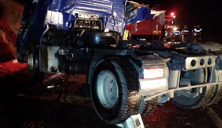 camion-accident-cisterna-trafic