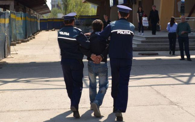 suspect-furt-arestat