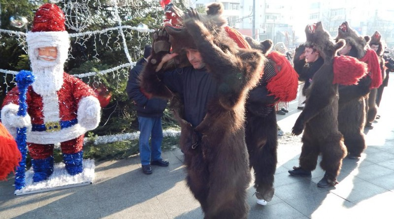 uratori-colindatori-iarna-2016-datini-si-obiceiuri