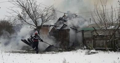 pompieri-incendiu-iarna