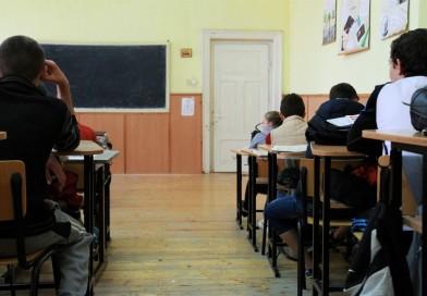 Profesoara de Limba română, nevastă de primar, acuzată de agresiuni asupra elevilor
