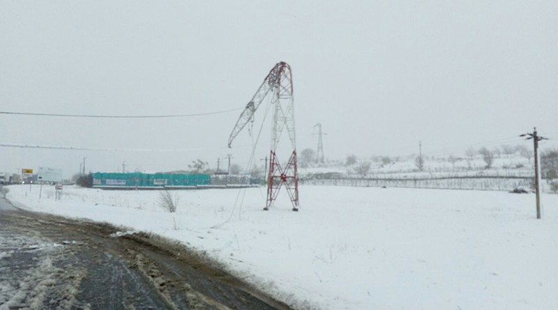 stalp-rupt-zapada-iarna