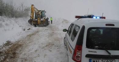 zapada-drum-blocat-politia-iarna