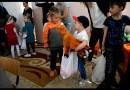 Preşcolarii Grădiniţei nr. 9 Vaslui au adus bucurie în rândul copiilor din Rediu