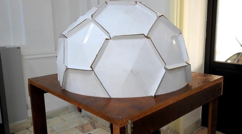 Foto 1. Planetariu pentru nevazatori (Copy)