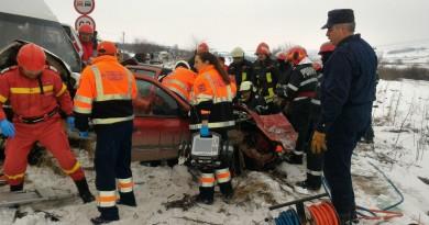 accident-ambulanta-isu-pompieri