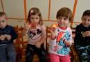 Crâmpei de primăvară, de la preșcolarii din Solești pentru copiii grădiniței nr 3 Vaslui