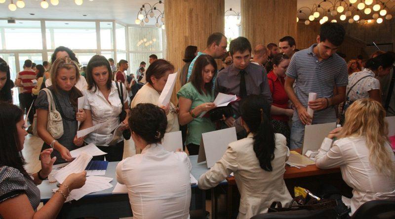 Peste o mie de vasluieni la Bursa locurilor de muncă