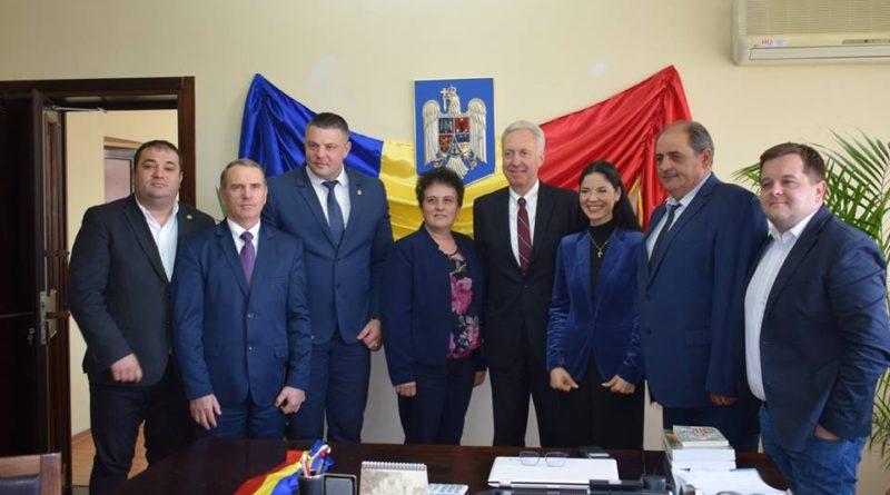 Ambasadorul SUA la București, Hans Klemm, în vizită în județul Vaslui