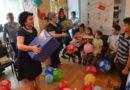 Angajații Casei de Asigurări de Sănătate Vaslui au oferit daruri de Ziua Copilului