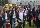 Ministerul Educaţiei NU a interzis oferirea de flori şi mărţişoare în şcoli