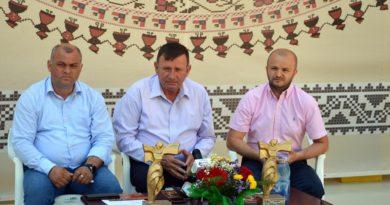 """Oficialitățile, pregătite să începă """"Hora din străbuni"""""""