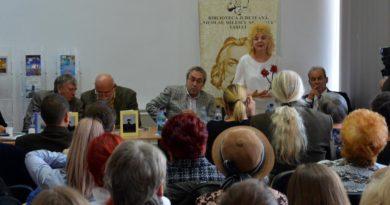 """Dublă lansare de carte la Biblioteca Judeţeană """"Nicolae Milescu Spătarul"""" Vaslui"""