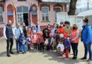Zi de Florii cu bucurii, pentru copiii din Vutcani