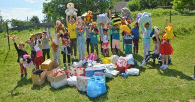 Donațiile oferite duminica trecută în Parcul Copou au ajuns la copiii din Lunca Buda, comuna Oșești,