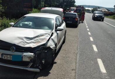 Autoturism înmatriculat în Vaslui, implicat într-un accident la Iași